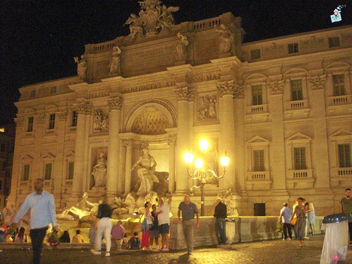 """площад """"Ди Треви"""" в Рим"""